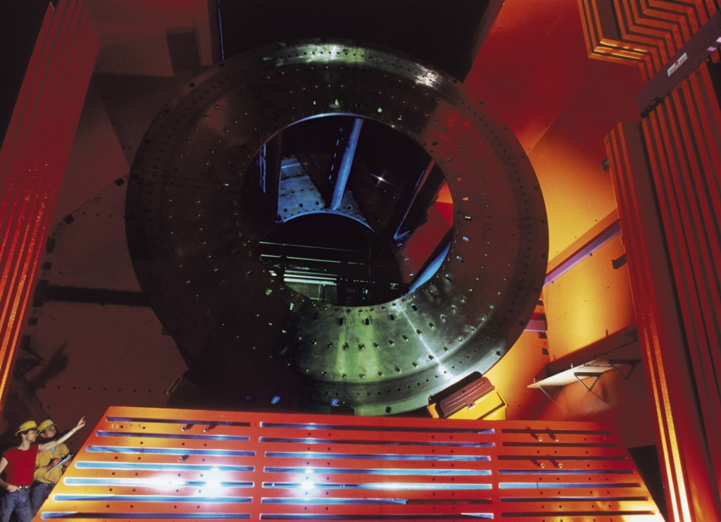 The ZEUS detector, which took data at DESY's electron-proton collider HERA from 1992 to 2007. Image: DESY / Ginter