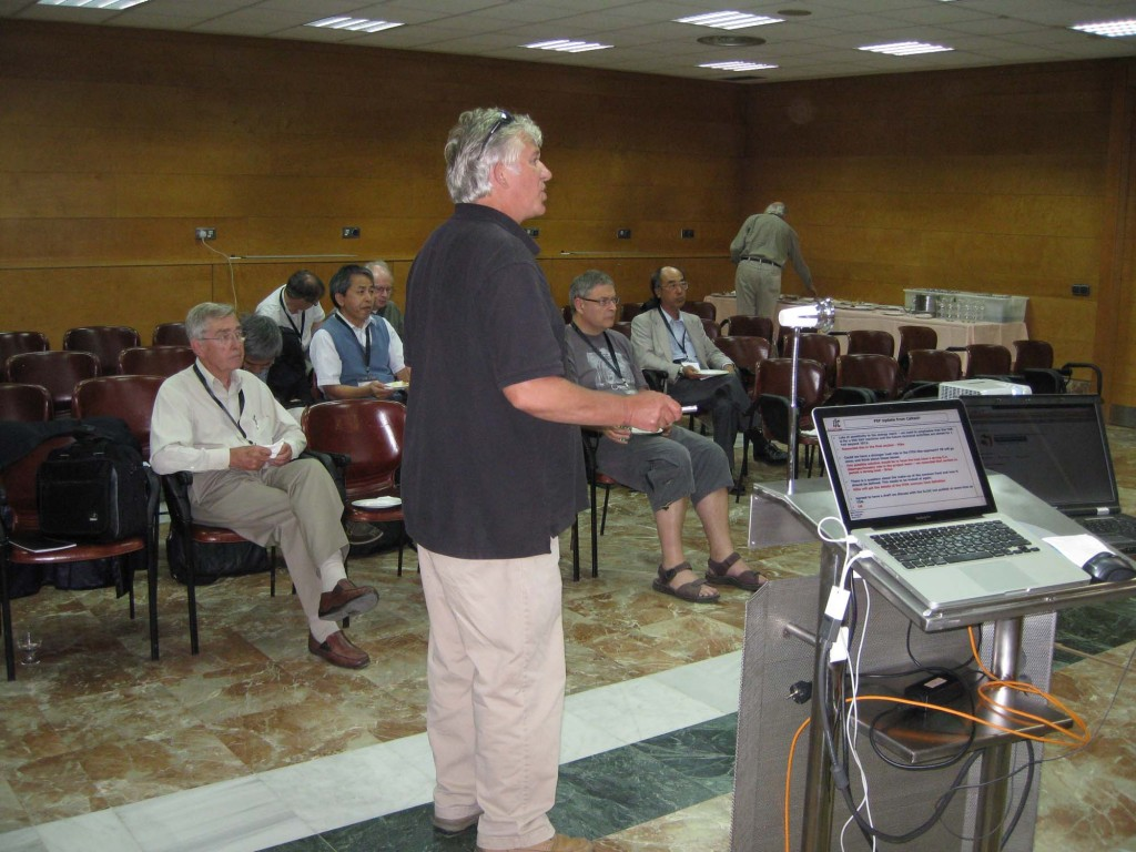 Mike Harrison addresses the Global Design Effort Executive Committee at LCWS11. Image: GDE