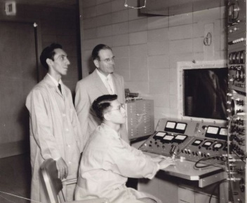 In the 1950s, Xie worked on the console of a 45-MeV medical electron linear accelerator. Image: IHEP