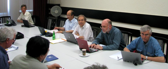 A historical picture: the International Detector Advisory Group IDAG at its first meeting in Warsaw in 2008. Image: Perrine Royole-Degieux.