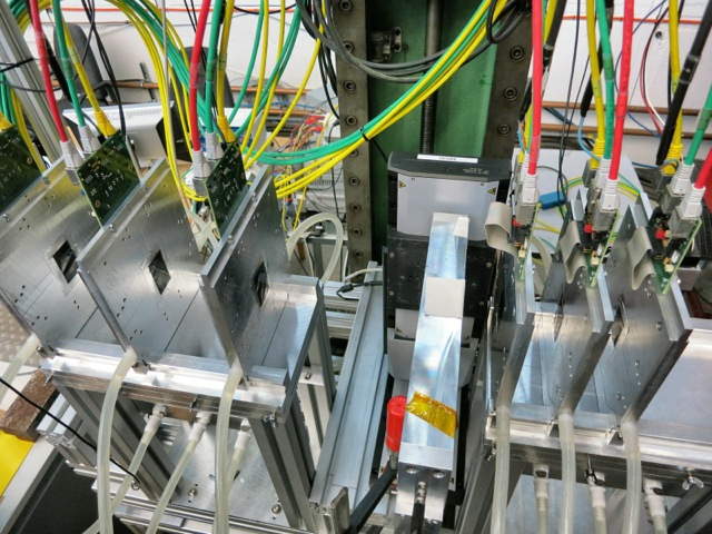 Under scrutiny in the DESY test beam with the help of the beam telescope: timepix chips.