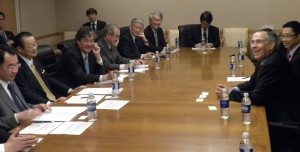 Last year, Japanese politicians, Takeo Kawamura, Ryu Shionoya and Shunichi Suzuki visited AAAS in Washington DC, meeting with CEO, Rush Holt. They have been acquaintance since Rush was in Congress. Image: AAA
