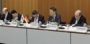 (from left to right) Dr.Mikael Gast (BMBF), Dr.Andrea Fischer (BMBF), Dr.Stefan Kaufmann (MdB = member of parliament),Dr.Georg Schütte (BMBF), Dr. Lothar Mennicken (BMBF)